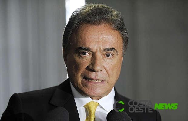 Alvaro Dias volta a propor redução de vagas no Senado