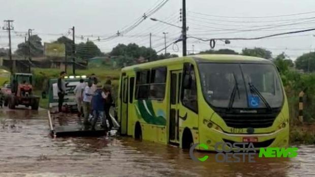 Chuva forte provoca novos alagamentos em Foz do Iguaçu