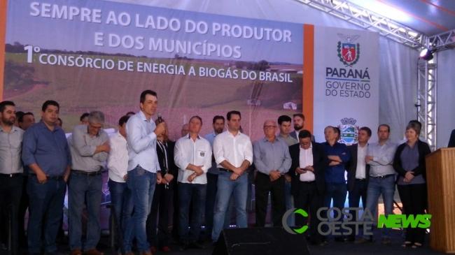 Ratinho Junior inaugura projeto piloto de produção de biogás a partir de dejetos de suínos em Entre Rios do Oeste