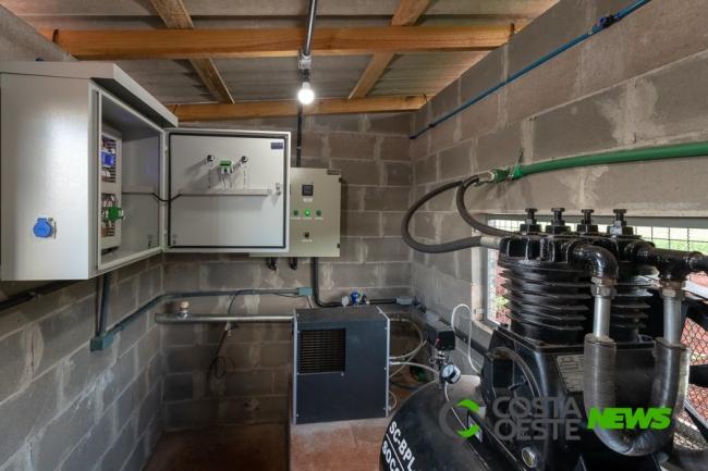 Entre Rios do Oeste reduz conta de energia pública com produção de biogás