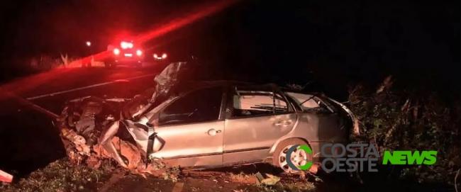 Veículo fica totalmente destruído em capotamento na estrada da prainha em Santa Terezinha