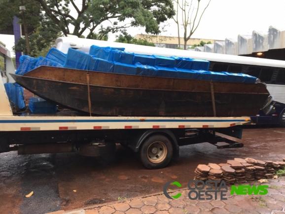 Embarcação carregada com cigarros é apreendida em Entre Rios do Oeste