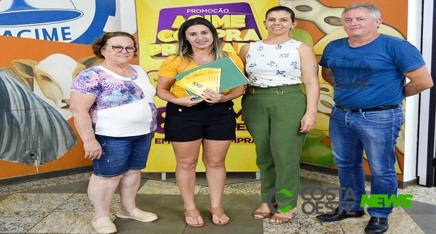 Acime entrega prêmio de R$ 10 mil da Campanha de Acime Compra Premiada