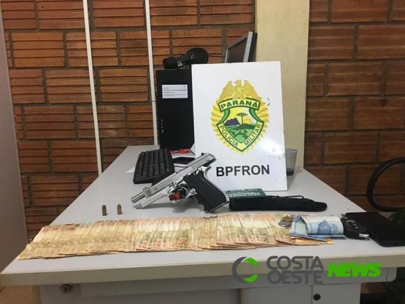 BPFron detém homem portando pistola e cerca de R$ 5 mil em Entre Rios do Oeste
