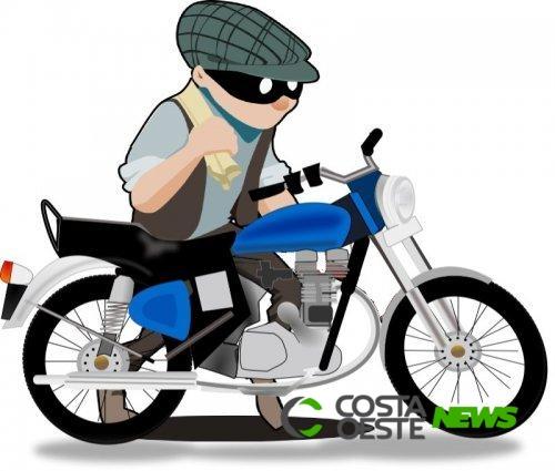 Motocicleta é furtada de residência em Pato Bragado