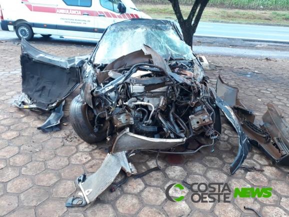 Jovem fica em estado grave após capotar veículo na PR-495, em Pato Bragado