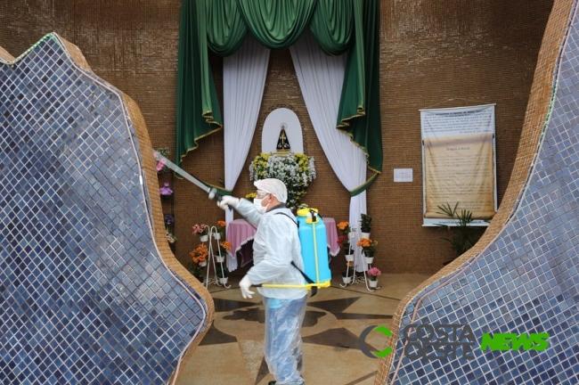 Itaipulândia: Monumento de N. Sra. Aparecida recebe desinfecção com hipoclorito