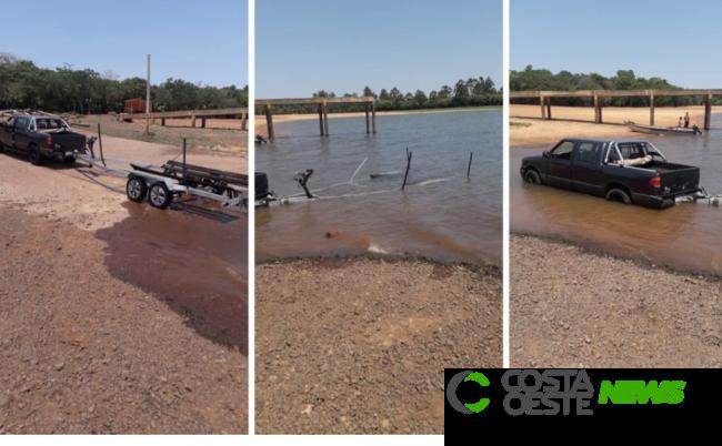 Populares encontram  em Santa Helena camionete e reboque de lancha furtados