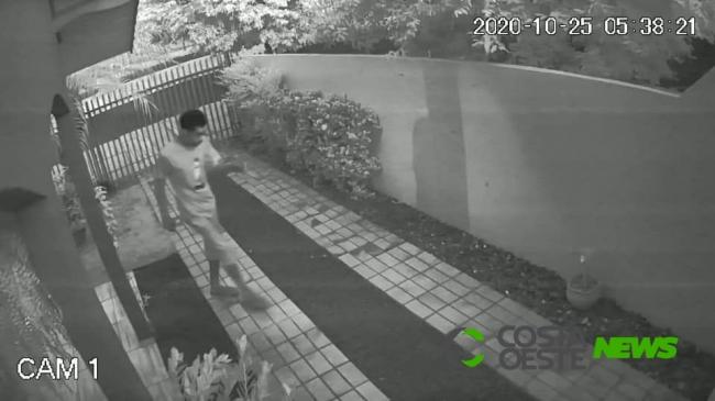 Audacioso; ladrão de flores volta a atacar em Santa Helena (vídeo)