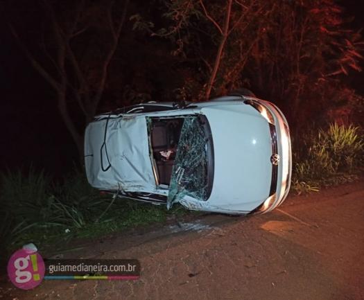 Capotamento deixa um morto e outro gravemente ferido na PR 495 em Serranópolis