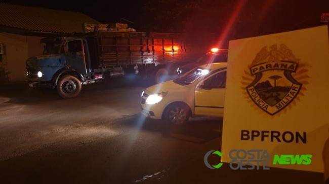BPFRON apreende automóvel e caminhão carregados com contrabando em Santa Helena