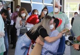 No HMCC, paciente recuperado da covid-19 pede a namorada em casamento na alta hospitalar - Créditos: