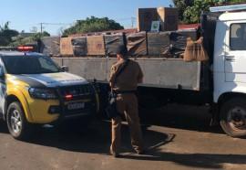 Polícia Militar apreende caminhão carregado com cigarros contrabandeados em Missal
