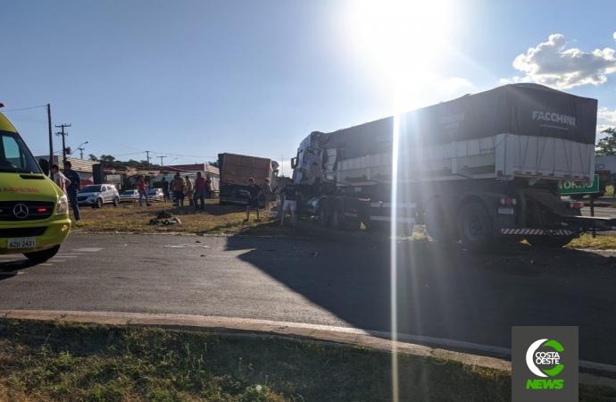 Acidente envolvendo três caminhões é registrado em São Miguel do Iguaçu