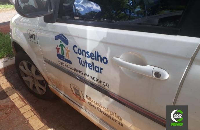 Adolescente é mantido acorrentado em Guaíra e homem é preso em flagrante