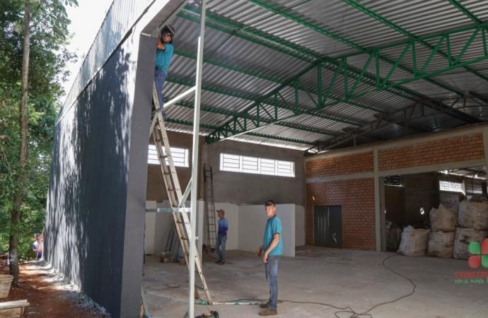 Missal: Ampliação do Barracão da ACAMIS está em fase final de construção