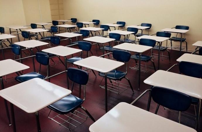 Após tragédia em creche, escolas da rede estadual de SC terão vigilantes