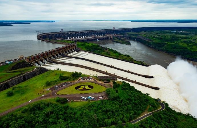 Às vésperas do aniversário de Foz, Itaipu prepara pacote para beneficiar cerca de 30 mil pessoas até o fim do ano