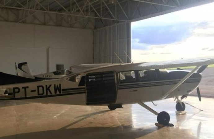 Avião roubado em Foz do Iguaçu pousou no norte paraguaio e seguiu para a Bolívia