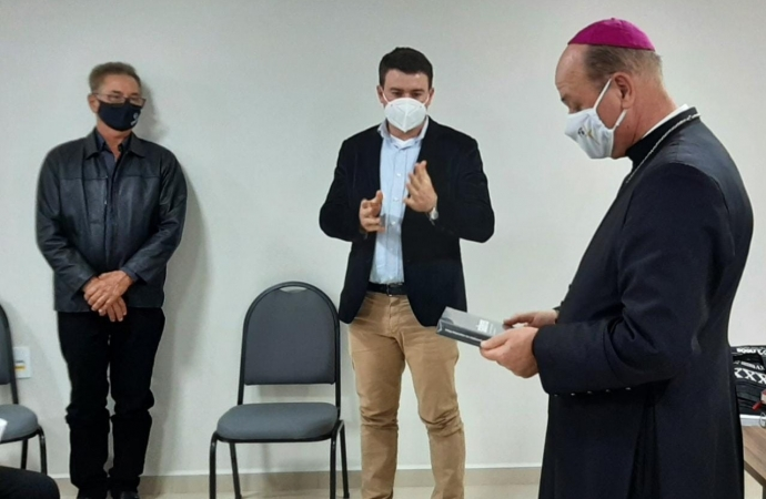 Bispo Dom Sérgio da Diocese de Foz do Iguaçu visita Cresol Costa Oeste