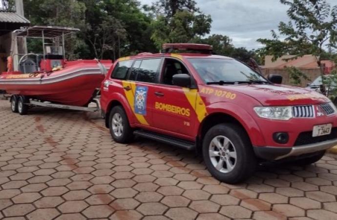 Bombeiros retomam buscas por jovem desaparecido no Rio Paraná