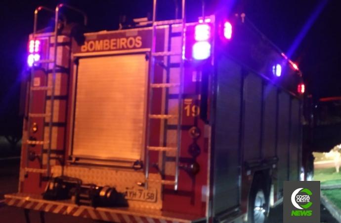 Bombeiros são acionados para atender princípio de incêndio em residência em Santa Helena