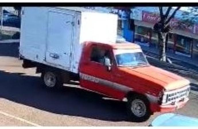 Camionete F-1000 com placas de São José das Palmeiras é furtada