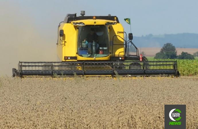 Clima ajuda e produtores de Santa Helena iniciam a colheita da soja com expectativa de boa produção