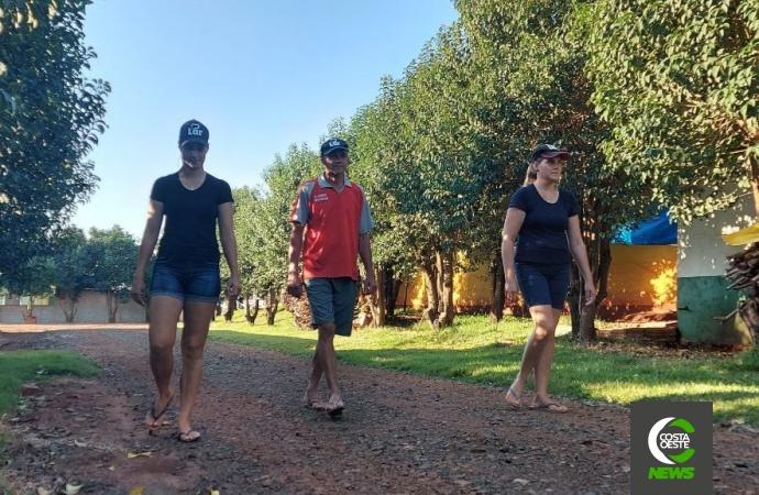 Com ajuda das filhas produtor triplica produção de frangos de corte no oeste paranaense