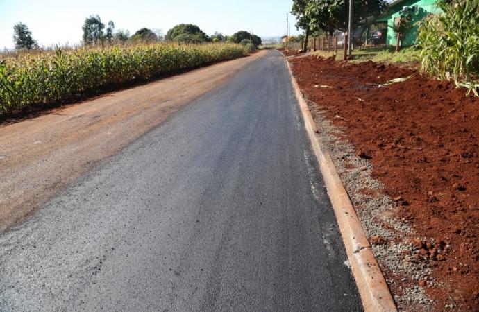 Concluídos os trabalhos de melhorias na Rua Santa Helena em Itaipulândia com a aplicação de lama asfáltica