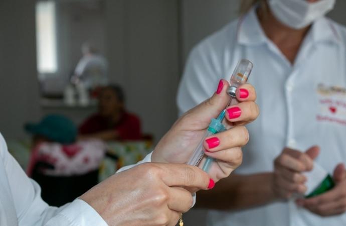 Covid-19: Medianeira inicia vacinação em idosos de 80 a 89 anos