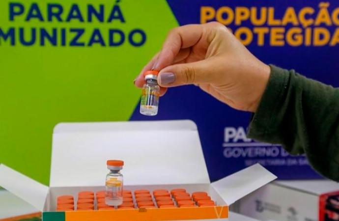 Covid: TCE-PR notifica municípios sobre vacinação indevida de agentes políticos