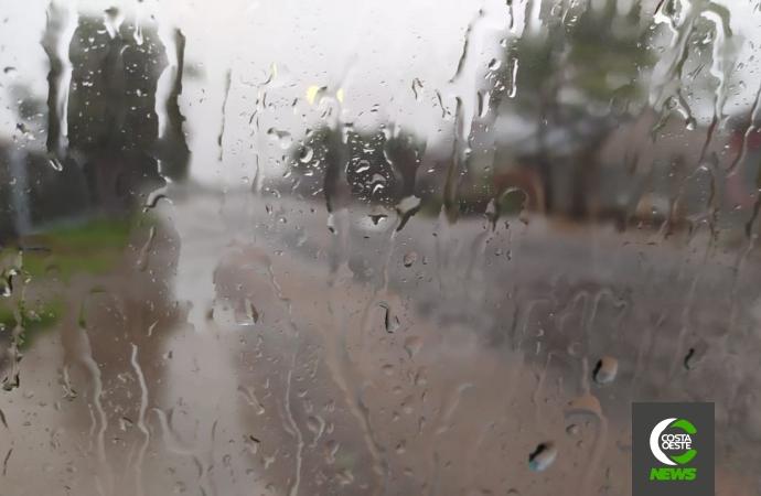 Defesa Civil emite alerta de chuvas intensas para a região oeste