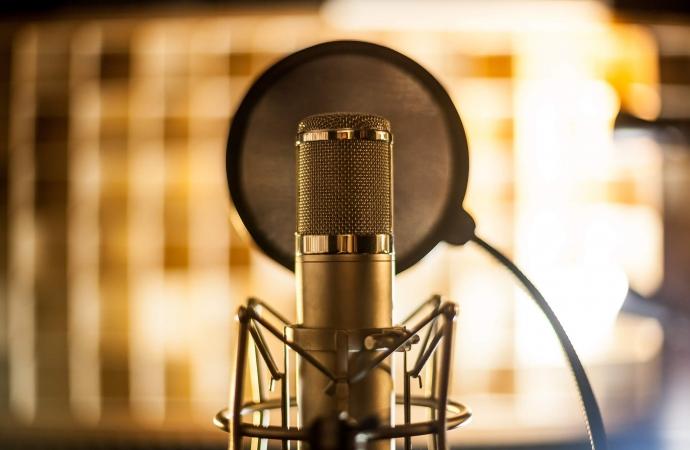 Dia Mundial da Voz: Fonoaudióloga Thais explica como manter sua saúde vocal