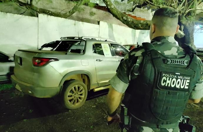 Dois veículos que haviam sido roubados em Medianeira foram recuperados pela PM