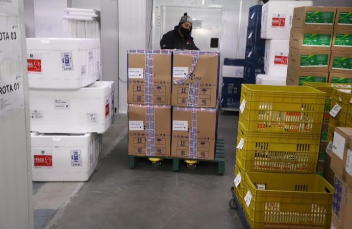 Paraná distribui mais 50,3 mil primeiras doses contra a Covid-19 aos municípios