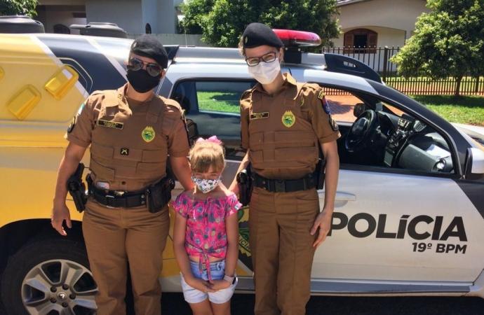 Admiradora da Polícia Militar em Santa Helena, menina recebe surpresa na semana em que completará 6 anos