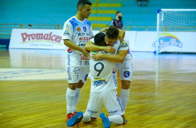 Foz Cataratas Poker Futsal estreia na Liga Nacional 2021 nesta sexta