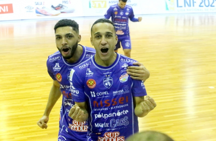 Foz Cataratas Poker Futsal vence o Praia Clube pela Liga Nacional