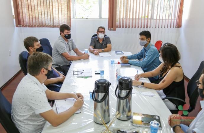 Gerente da Copel de Medianeira apresenta à Administração de Missal ações desenvolvidas pela Estatal na região