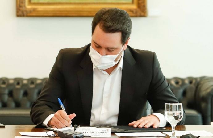 Governo do Paraná estende horário de funcionamento do comércio e reduz toque de recolher