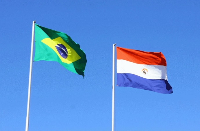 Greve de caminhoneiros paraguaios causa prejuízo milionário a transportadoras brasileiras
