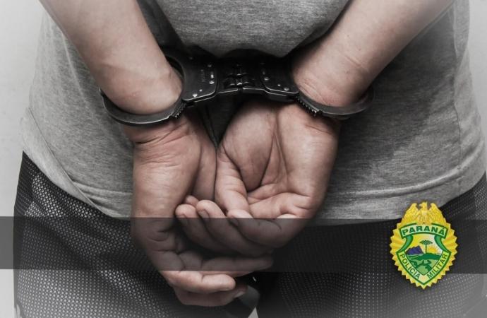 Homem é preso pela Polícia Militar suspeito de agredir mulher em Medianeira