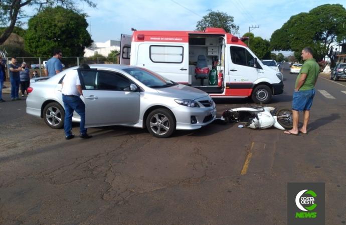 Homem fica ferido em acidente de trânsito no centro de Santa Helena