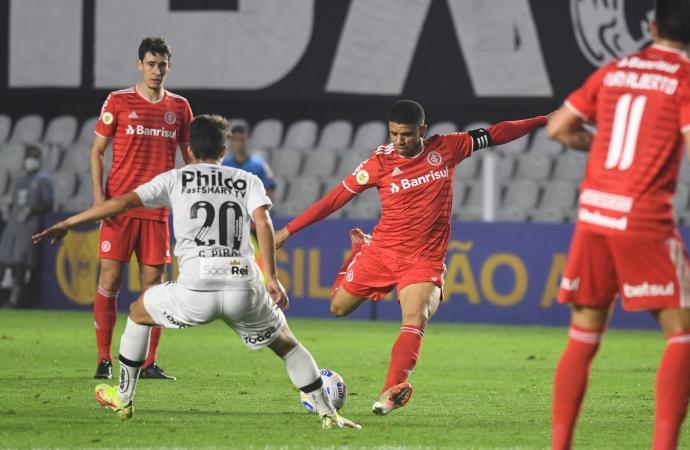 Inter busca empate com o Santos no fim do jogo