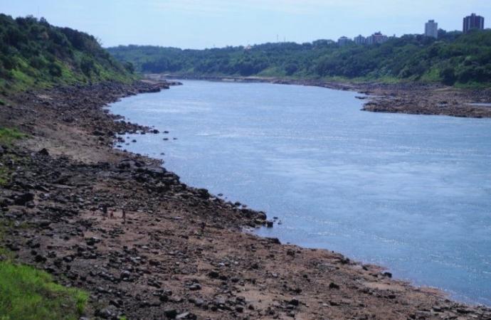 Itaipu discute abertura das comportas para permitir navegabilidade paraguaia no Rio Paraná
