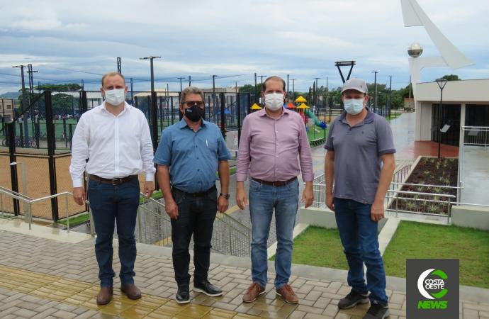 Marcel Micheletto visita Santa Helena e prefeitos apresentam estudo para edificação de hospital microrregional