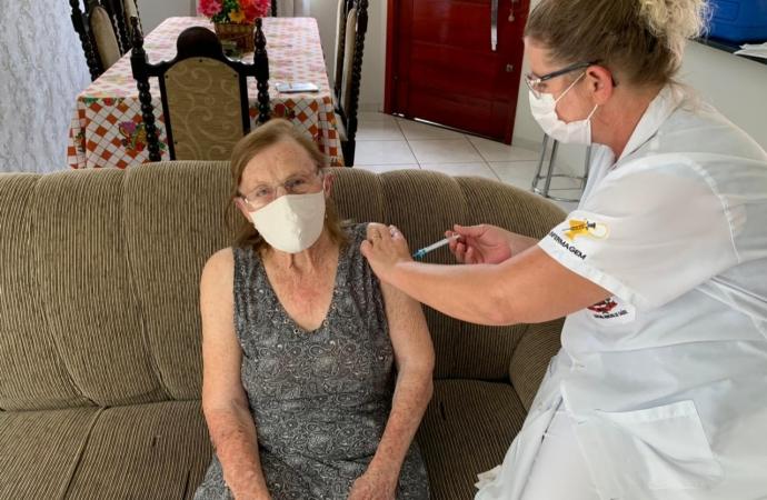 Missal Inicia vacinação contra Covid-19 em idosos com mais de 90 anos