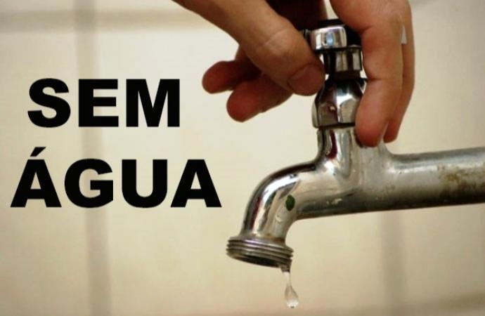 Moradores sofrem diariamente com a falta de água em Santa Helena