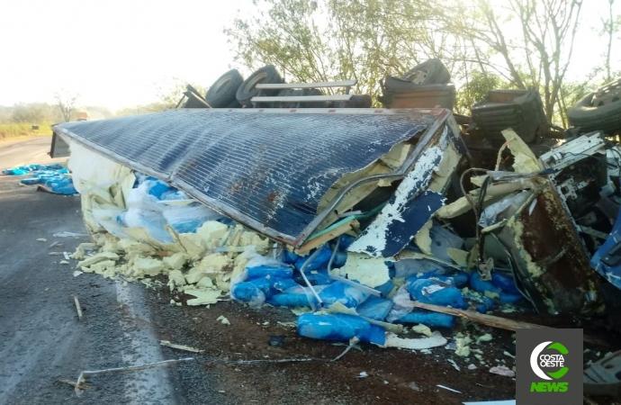 Motorista de Medianeira morre em acidente entre caminhões na PR-317